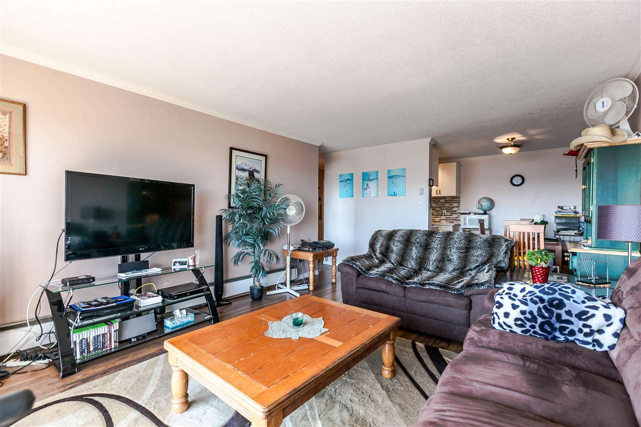 "Photo 8: 306 155 E 5TH Street in North Vancouver: Lower Lonsdale Condo for sale in ""Winchester Estates"" : MLS® # R2176617"