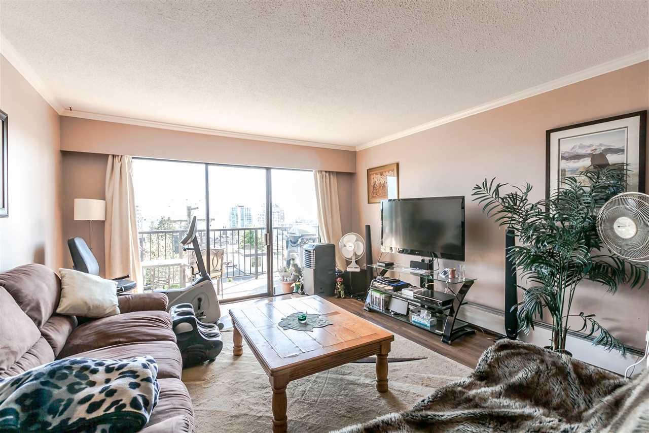 "Photo 9: 306 155 E 5TH Street in North Vancouver: Lower Lonsdale Condo for sale in ""Winchester Estates"" : MLS® # R2176617"