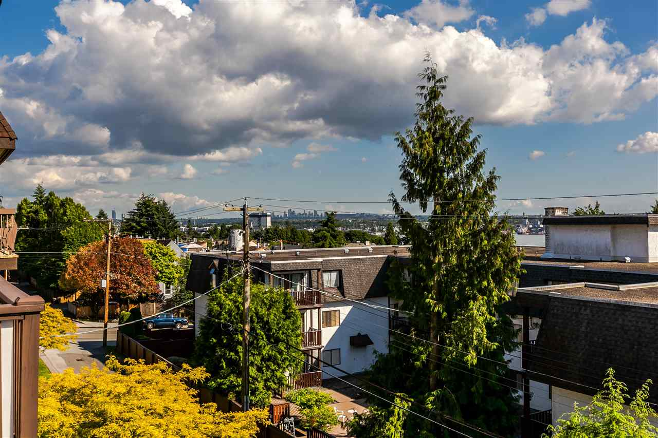 "Photo 16: 306 155 E 5TH Street in North Vancouver: Lower Lonsdale Condo for sale in ""Winchester Estates"" : MLS® # R2176617"