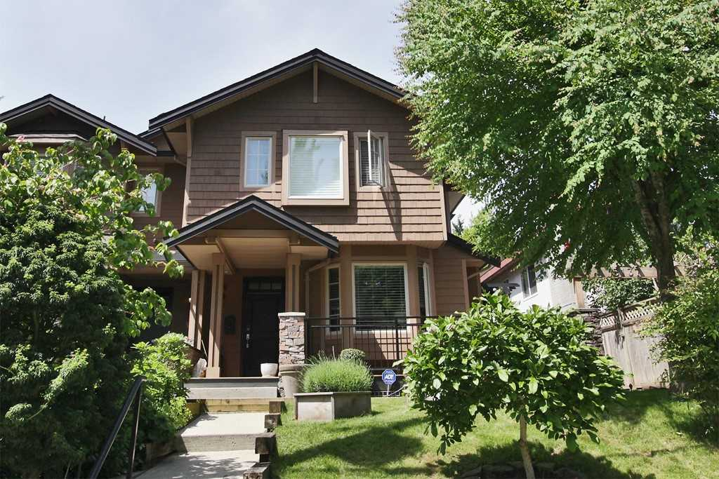 Main Photo: 3137 SUNNYHURST Road in North Vancouver: Lynn Valley Townhouse for sale : MLS® # R2177584