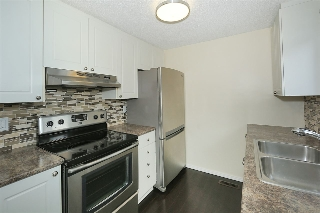 Main Photo: 193B HOMESTEAD Crescent in Edmonton: Zone 35 Townhouse for sale : MLS(r) # E4069085