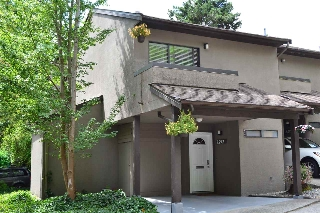 Main Photo: 8592 WOODRIDGE Place in Burnaby: Forest Hills BN Townhouse for sale (Burnaby North)  : MLS(r) # R2190706