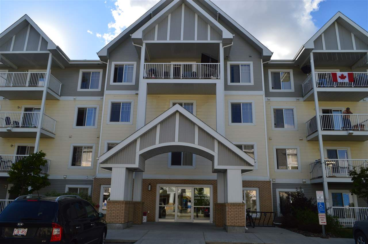 Main Photo: 213 2208 44 Avenue in Edmonton: Zone 30 Condo for sale : MLS® # E4076689