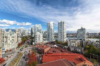 "Main Photo: 17D 199 DRAKE Street in Vancouver: Yaletown Condo for sale in ""Concordia I"" (Vancouver West)  : MLS® # R2215450"