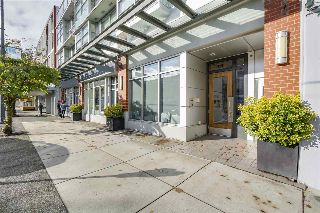 "Main Photo: 201 4375 W 10TH Avenue in Vancouver: Point Grey Condo for sale in ""Varsity"" (Vancouver West)  : MLS® # R2216183"