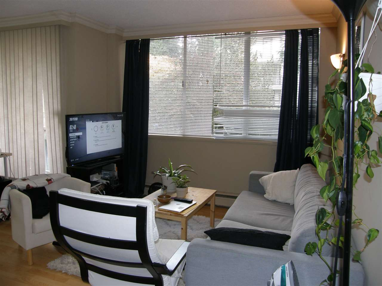 "Main Photo: 201 1785 ESQUIMALT Avenue in West Vancouver: Ambleside Condo for sale in ""SHALIMAR"" : MLS® # R2218911"
