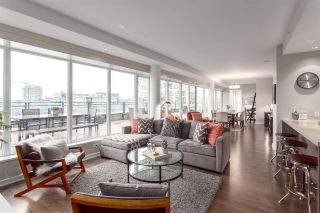 "Main Photo: 1201 181 W 1ST Avenue in Vancouver: False Creek Condo for sale in ""The Brook"" (Vancouver West)  : MLS® # R2236087"