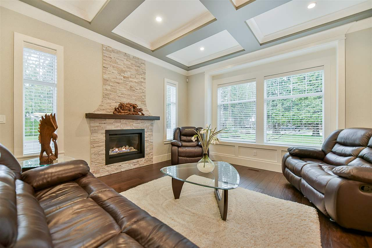 Photo 2: Photos: 20462 94B Avenue in Langley: Walnut Grove House for sale : MLS® # R2236268