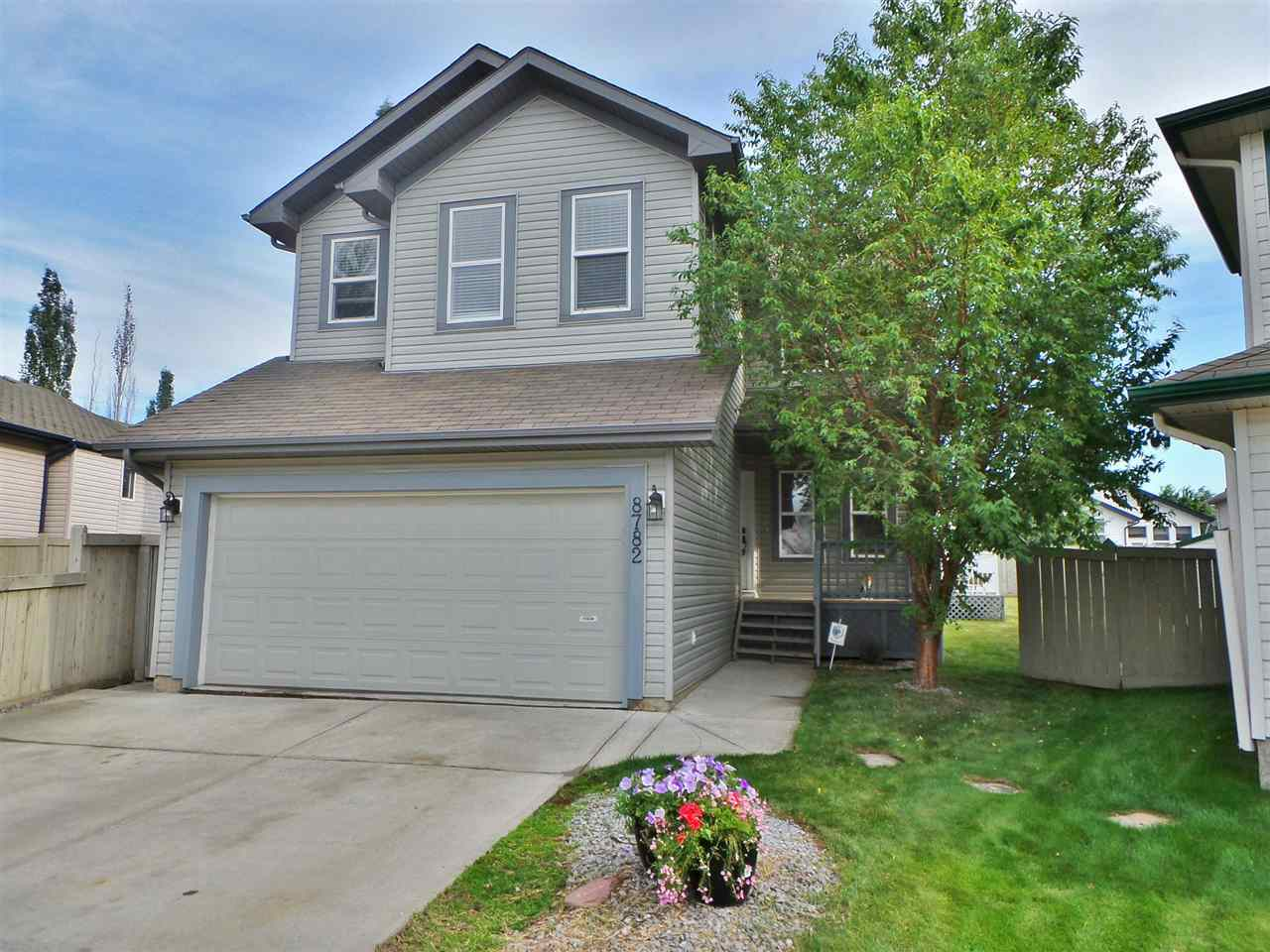 Welcome to 8782-5 Ave SW! A great family home located in a quite cul-de-sac!