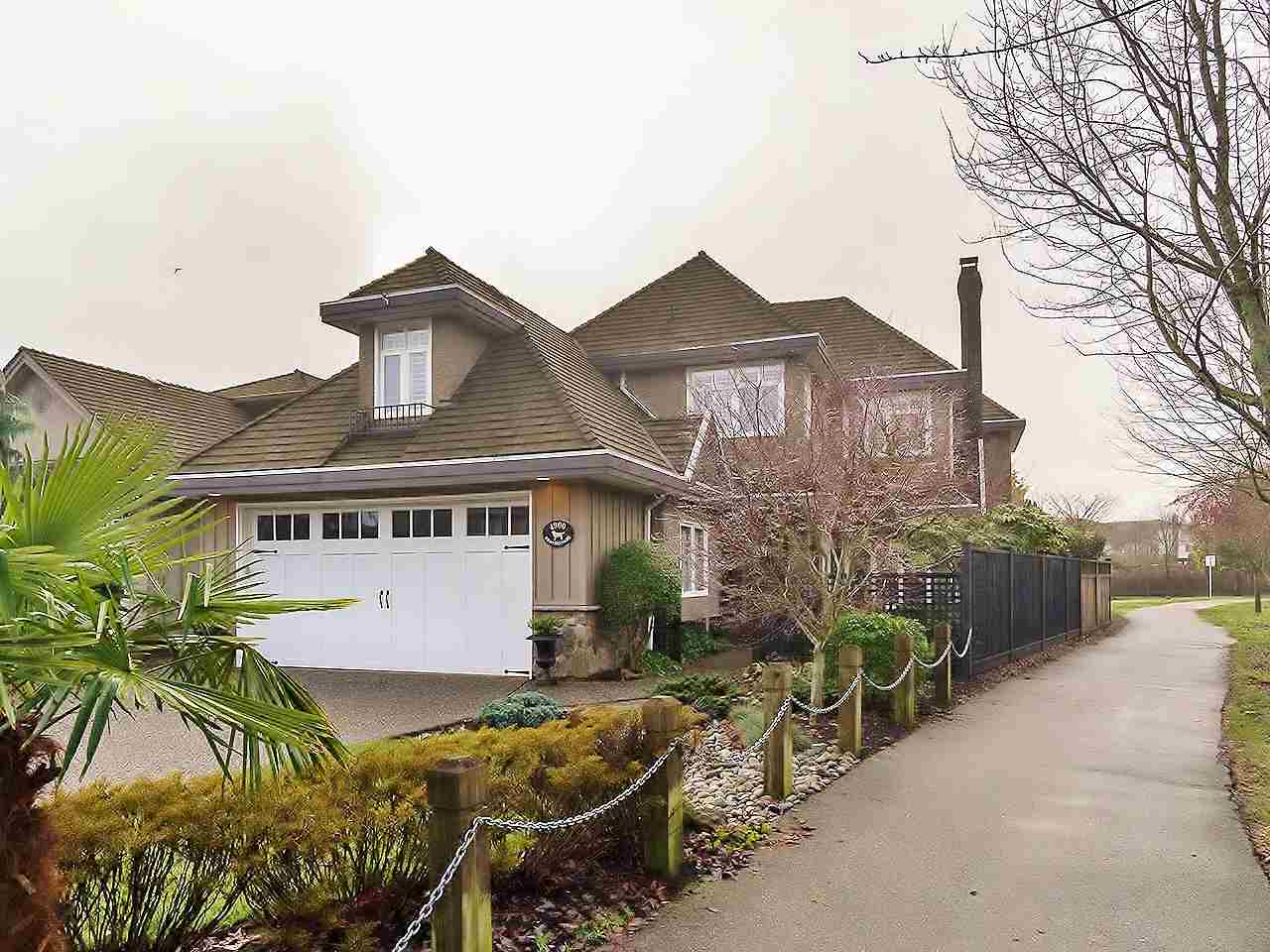 Main Photo: 4900 BRANSCOMBE Court in Richmond: Steveston South House for sale : MLS®# R2242171