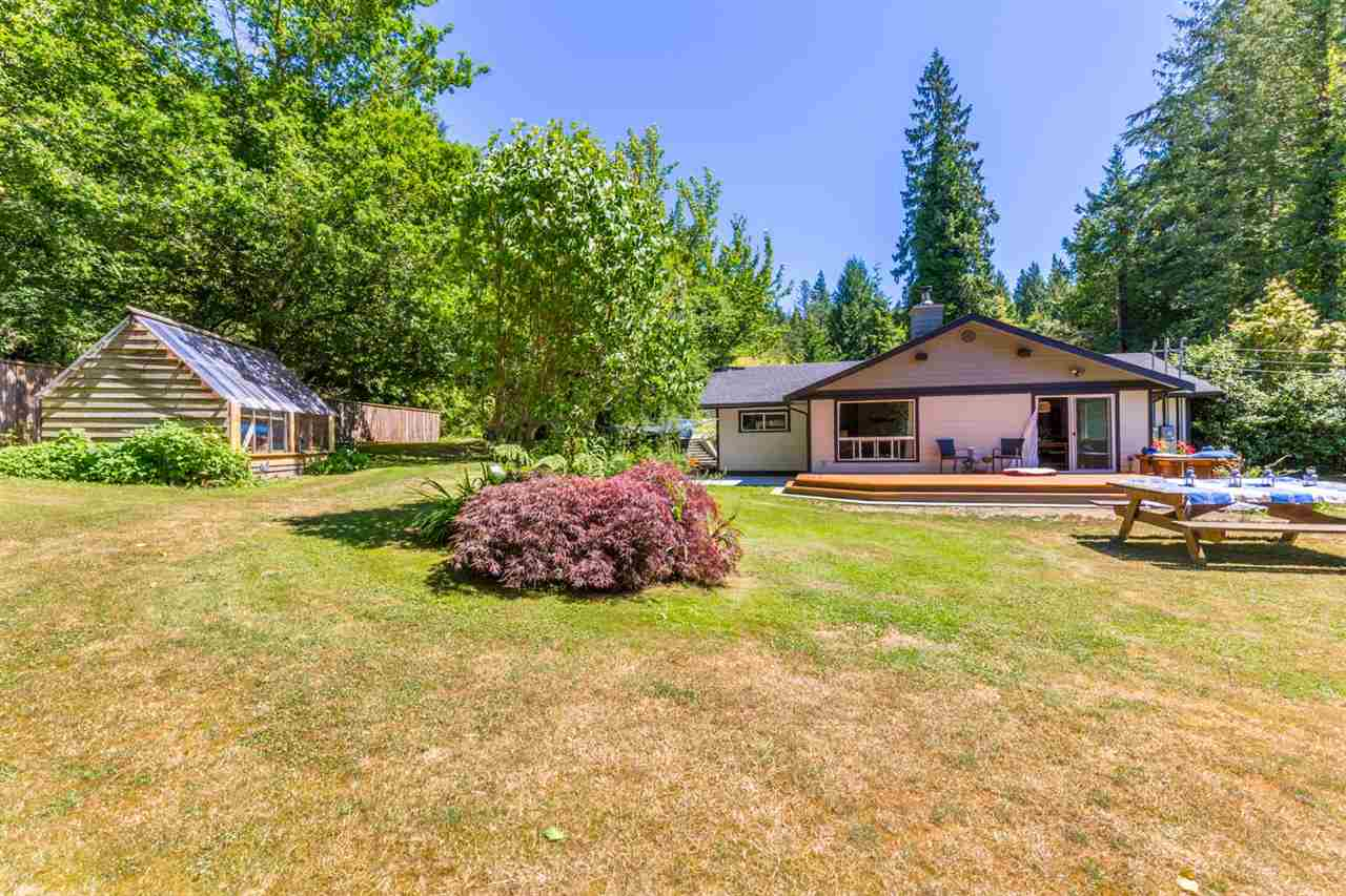 Photo 2: Photos: 2540 SUNSHINE COAST Highway: Roberts Creek House for sale (Sunshine Coast)  : MLS®# R2243602
