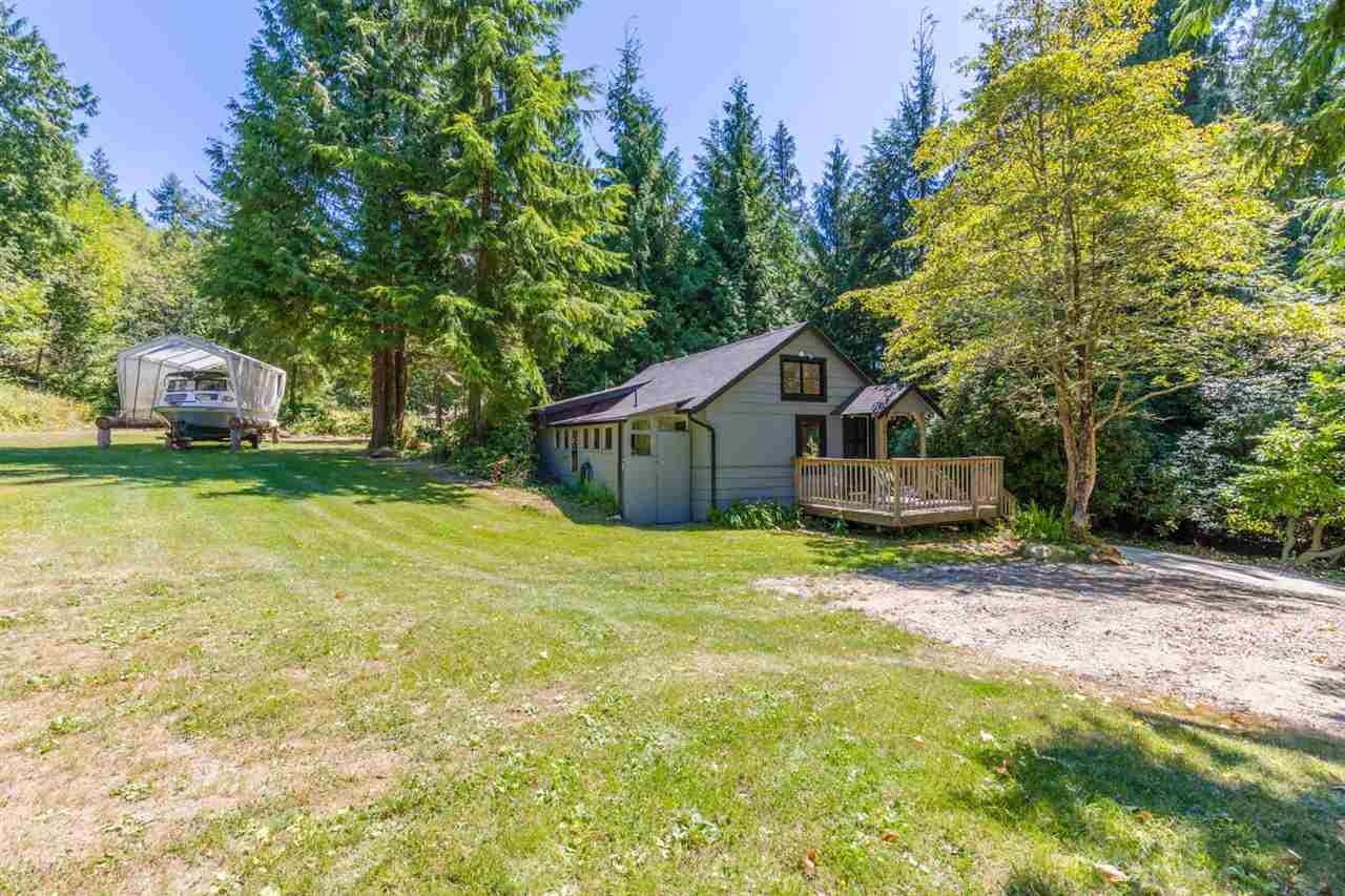 Photo 17: Photos: 2540 SUNSHINE COAST Highway: Roberts Creek House for sale (Sunshine Coast)  : MLS®# R2243602