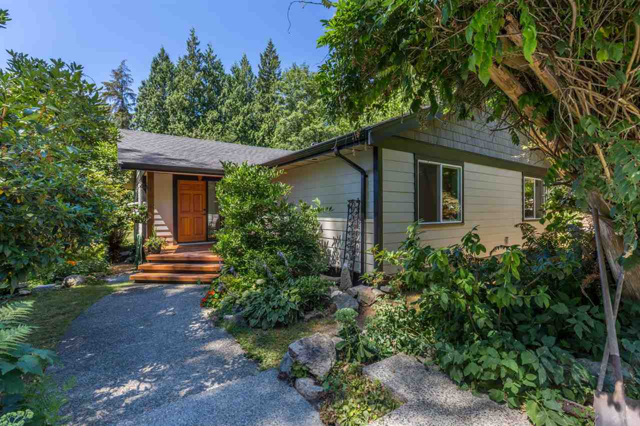 Photo 1: Photos: 2540 SUNSHINE COAST Highway: Roberts Creek House for sale (Sunshine Coast)  : MLS®# R2243602
