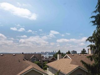 Main Photo: 425 ST. ANDREWS Avenue in North Vancouver: Lower Lonsdale Townhouse for sale : MLS®# R2273874