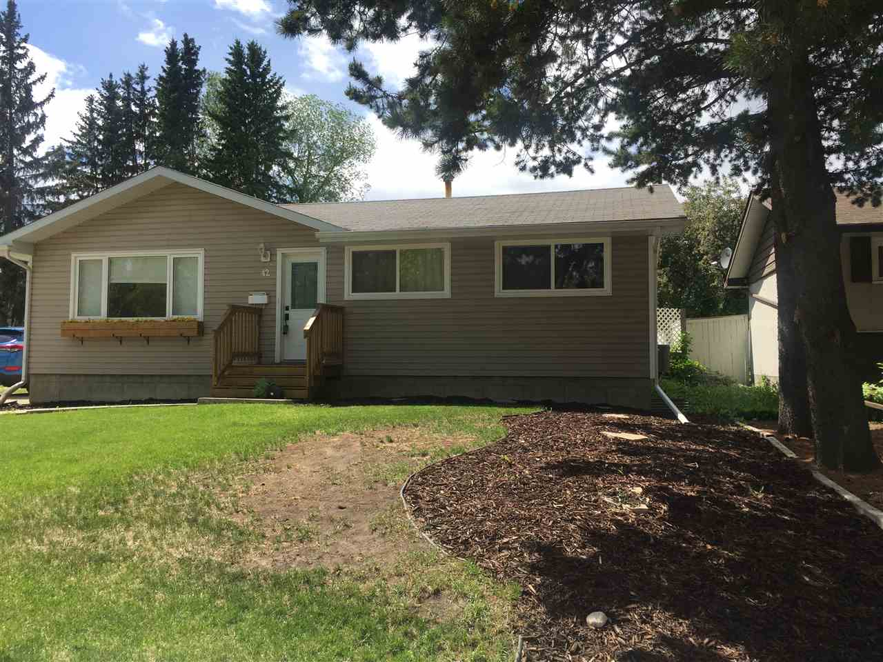 FEATURED LISTING: 42 GRANDIN Road St. Albert