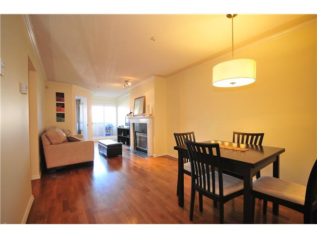 "Main Photo: 211 3638 W BROADWAY Street in Vancouver: Kitsilano Condo  in ""CORAL COURT"" (Vancouver West)  : MLS(r) # V871105"