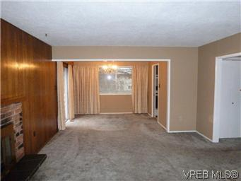 Photo 3: 2025 Linda Place in SIDNEY: SI Sidney North-East Residential for sale (Sidney)  : MLS(r) # 304671