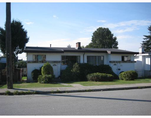 Main Photo: 6290 WINCH ST in Burnaby: Parkcrest House Duplex for sale (Burnaby North)  : MLS® # V788129