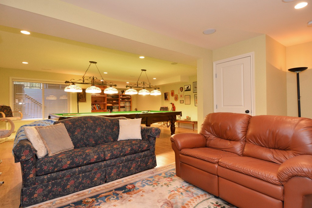 Photo 38: 16777 57A Avenue in Surrey: Cloverdale BC House for sale (Cloverdale)  : MLS® # F1434225