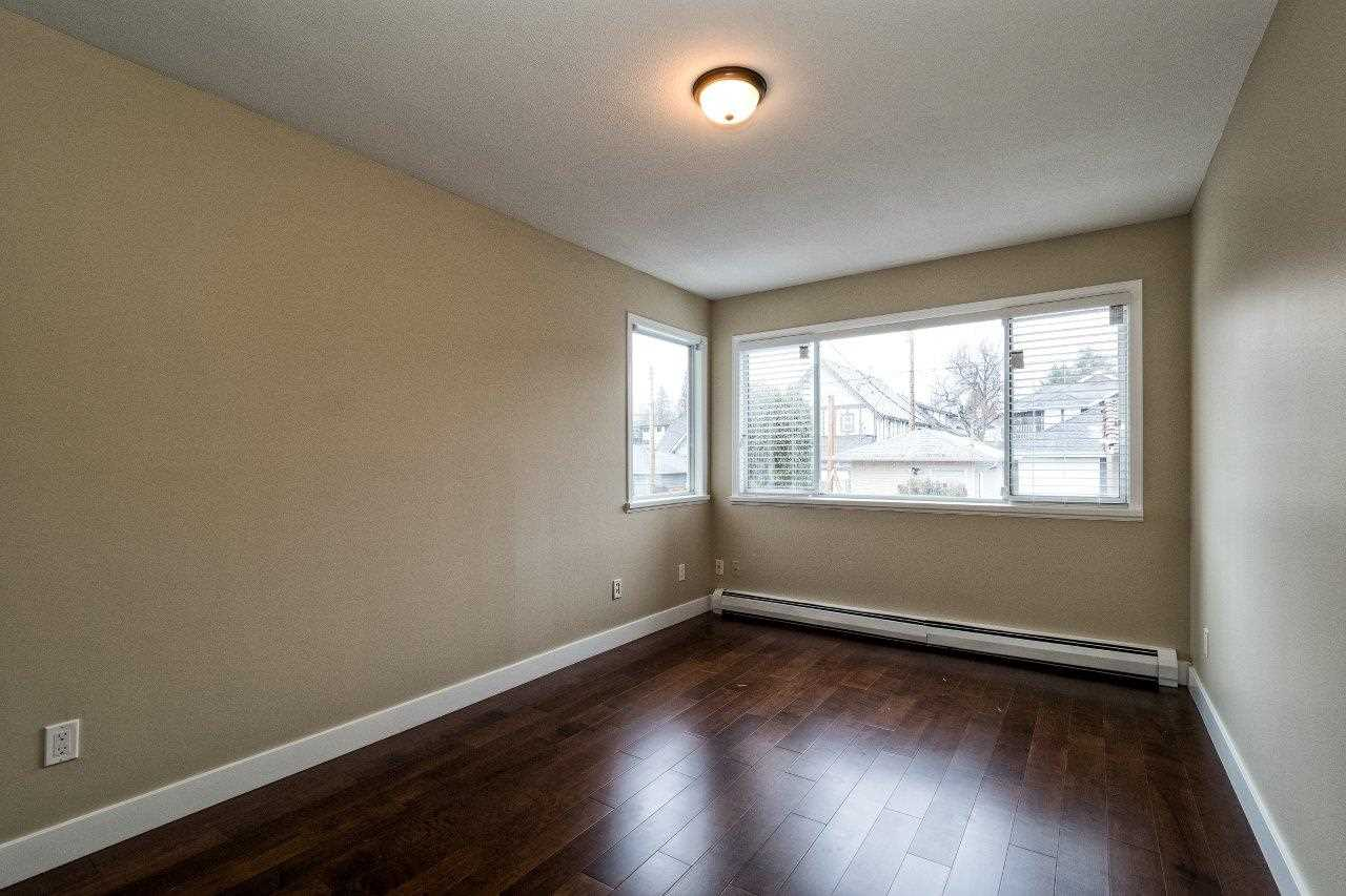 Photo 8: 312 E 11TH Street in North Vancouver: Central Lonsdale House 1/2 Duplex for sale : MLS(r) # R2029471