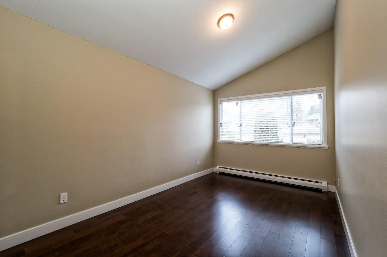 Photo 9: 312 E 11TH Street in North Vancouver: Central Lonsdale House 1/2 Duplex for sale : MLS(r) # R2029471