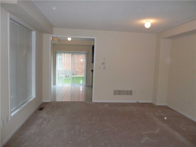 Photo 8: 846 Francine Crest in Mississauga: East Credit House (2-Storey) for sale : MLS(r) # W3500487