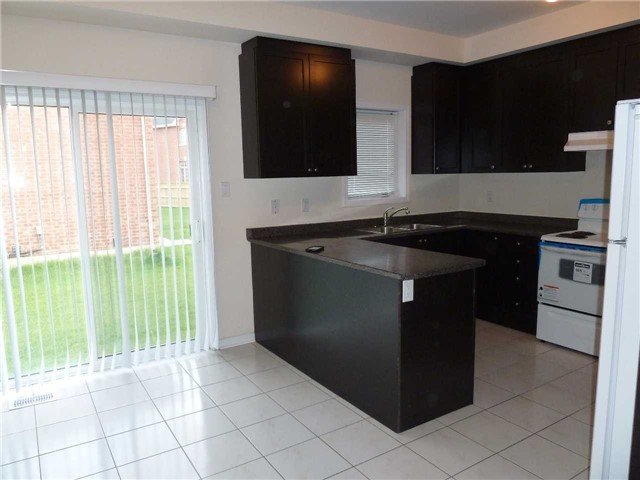Photo 6: 846 Francine Crest in Mississauga: East Credit House (2-Storey) for sale : MLS(r) # W3500487