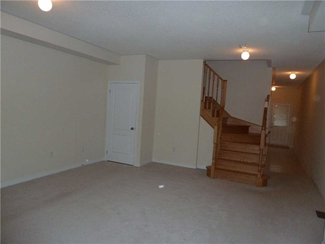 Photo 7: 846 Francine Crest in Mississauga: East Credit House (2-Storey) for sale : MLS(r) # W3500487