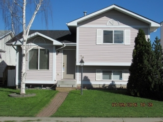 Main Photo: 18 ASPENGLEN Crescent S: Spruce Grove House for sale : MLS(r) # E4036588