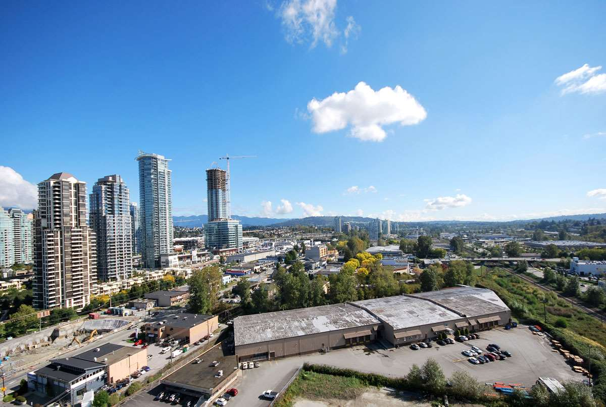 "Main Photo: 2006 2355 MADISON Avenue in Burnaby: Brentwood Park Condo for sale in ""OMA"" (Burnaby North)  : MLS® # R2110371"