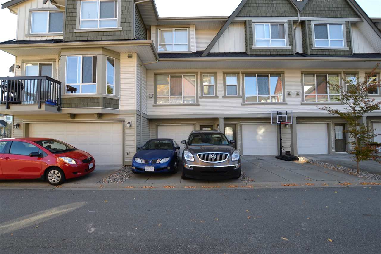 "Photo 3: 73 7155 189 Street in Surrey: Clayton Townhouse for sale in ""Bacarra"" (Cloverdale)  : MLS(r) # R2112516"