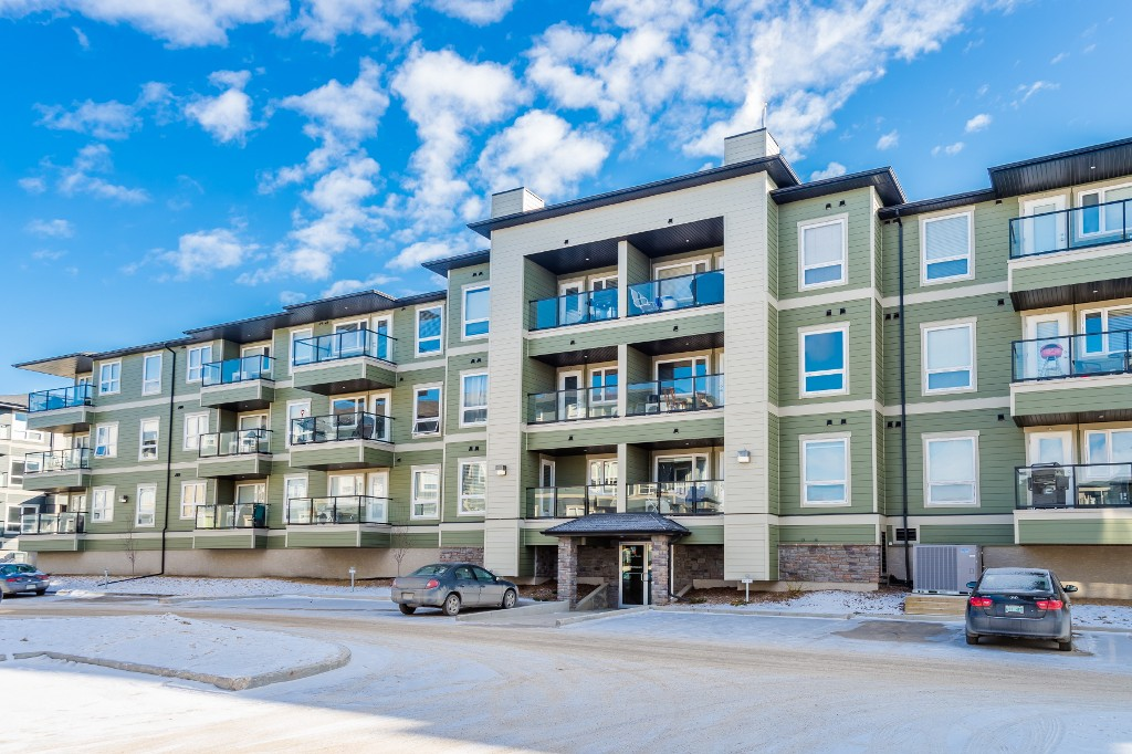 Main Photo: 1202 102 Willis Crescent in Saskatoon: Stonebridge Complex for sale (Saskatoon Area 02)  : MLS(r) # 600401