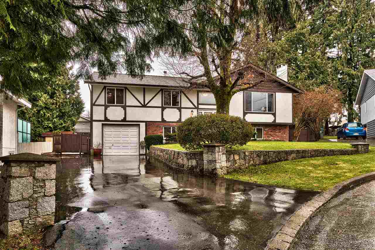 Main Photo: 1850 SINCLAIR Place in Port Coquitlam: Lower Mary Hill House for sale : MLS® # R2148035