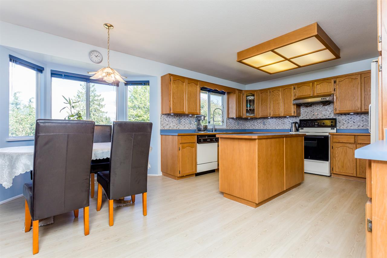Photo 5: 14391 77A Avenue in Surrey: East Newton House for sale : MLS(r) # R2149252