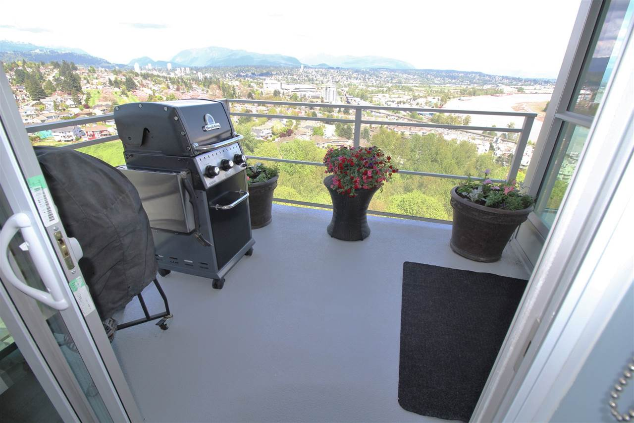 "Photo 12: 2011 271 FRANCIS Way in New Westminster: Fraserview NW Condo for sale in ""PARKSIDE AT VICTORIA HILL"" : MLS(r) # R2164256"