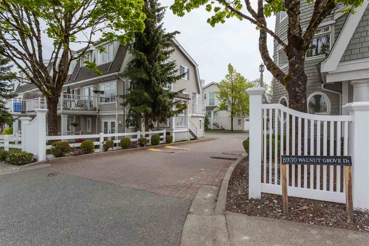 "Main Photo: 20 8930 WALNUT GROVE Drive in Langley: Walnut Grove Townhouse for sale in ""Highland Ridge"" : MLS(r) # R2162960"
