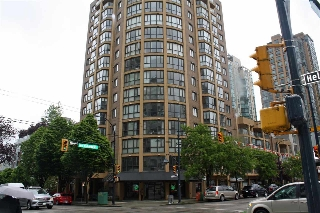 "Main Photo: 309 488 HELMCKEN Street in Vancouver: Yaletown Condo for sale in ""ROBINSON TOWER"" (Vancouver West)  : MLS(r) # R2169760"