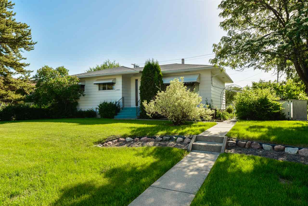 Main Photo: 13611 135 Street in Edmonton: Zone 01 House for sale : MLS(r) # E4068313