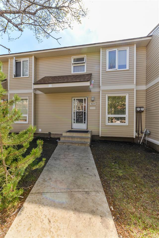 Main Photo: 423 Dunluce Road in Edmonton: Zone 27 Townhouse for sale : MLS(r) # E4071422