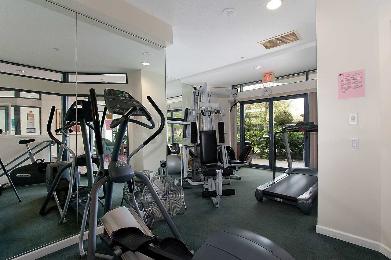 Well equipped & air-conditioned gym.