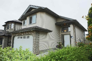 Main Photo: 743 LAUBER Crescent in Edmonton: Zone 14 House for sale : MLS(r) # E4074251