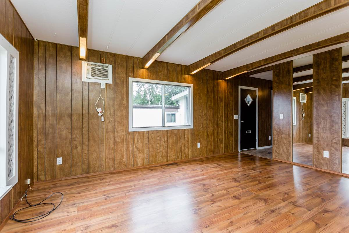"Photo 8: 7 7241 HURD Street in Mission: Mission BC Manufactured Home for sale in ""Highland Mobile Park"" : MLS® # R2191991"