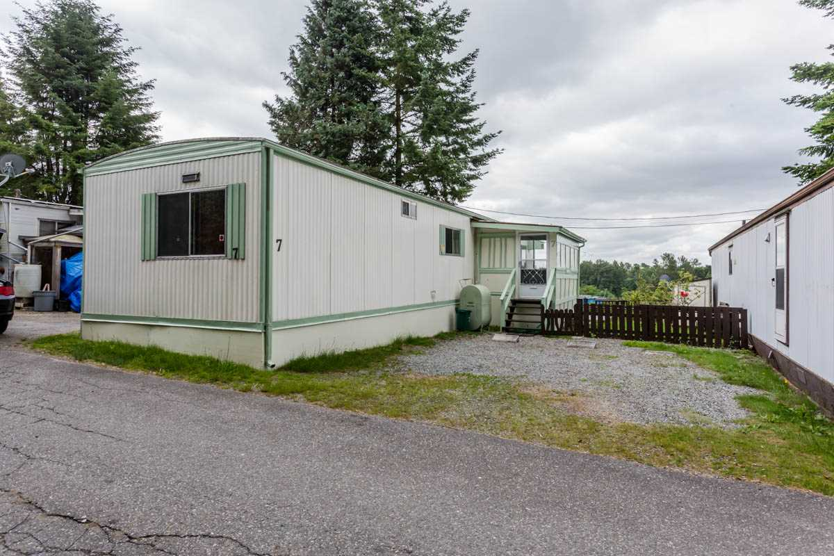 "Main Photo: 7 7241 HURD Street in Mission: Mission BC Manufactured Home for sale in ""Highland Mobile Park"" : MLS® # R2191991"