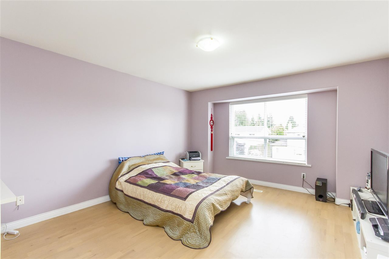 Photo 13: 5630 SPRUCE Street in Burnaby: Deer Lake Place House for sale (Burnaby South)  : MLS® # R2204860