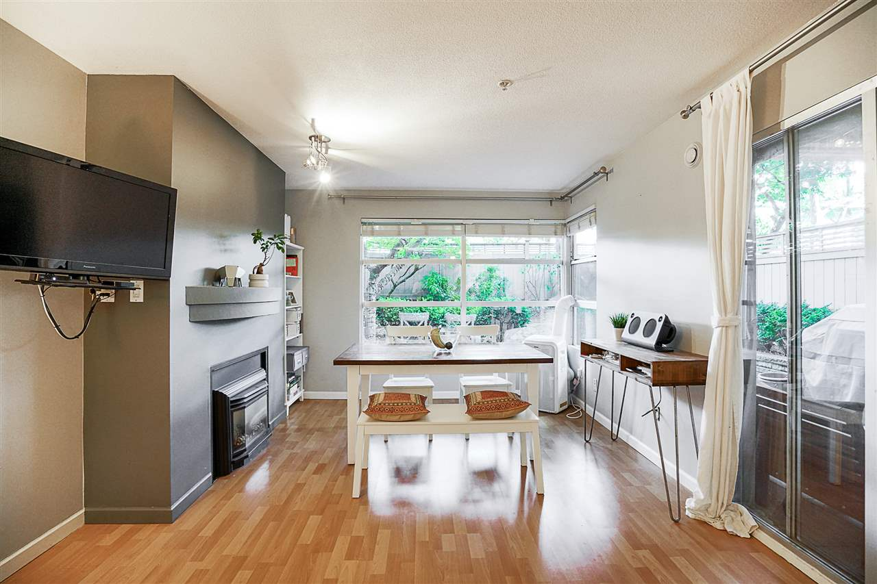 "Main Photo: 110 2983 W 4TH Avenue in Vancouver: Kitsilano Condo for sale in ""THE DELANO"" (Vancouver West)  : MLS® # R2208926"