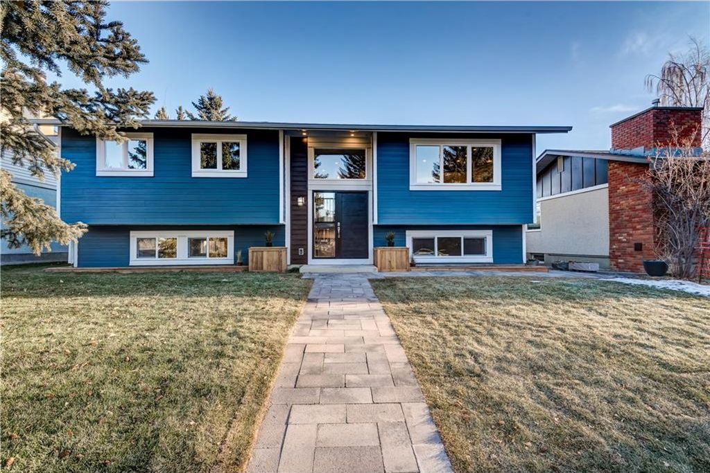 Main Photo: 6516 LAW Drive SW in Calgary: Lakeview House for sale : MLS®# C4147426
