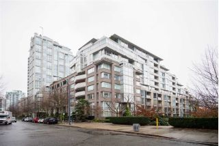 "Main Photo: TH103 1288 MARINASIDE Crescent in Vancouver: Yaletown Townhouse for sale in ""CRESTMARK"" (Vancouver West)  : MLS®# R2229944"