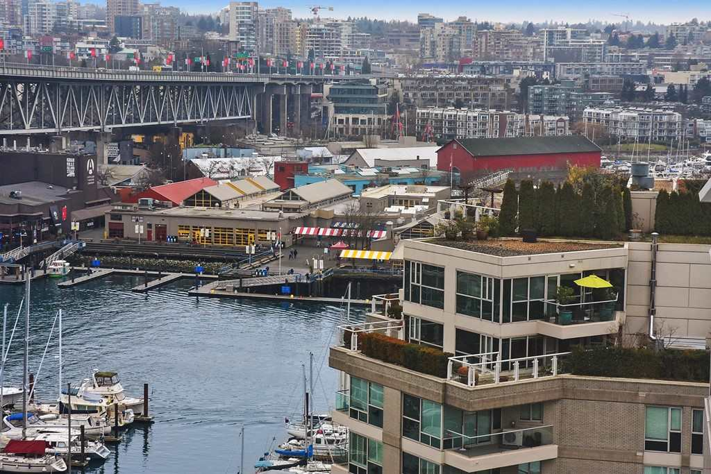 "Main Photo: 1508 1500 HORNBY Street in Vancouver: Yaletown Condo for sale in ""888 BEACH"" (Vancouver West)  : MLS® # R2230790"