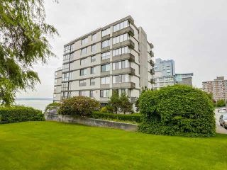 "Main Photo: 402 2090 ARGYLE Avenue in West Vancouver: Dundarave Condo for sale in ""Navvy Jack East"" : MLS® # R2239015"