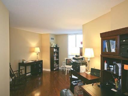 Photo 6: 11 2727 Yonge Street in Toronto: Lawrence Park South Condo for sale (Toronto C04)  : MLS(r) # C2533791